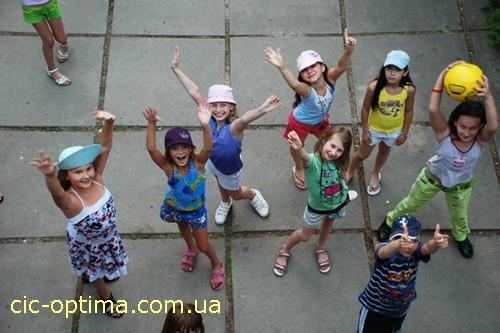 Развлечения в детском лагере Смена. Лагеря в Киевской области. Оздоровительный центр Смена в Клавдиево фото. Купить путевку в лагерь Смена